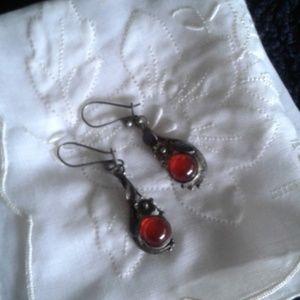 Jewelry - *Vintage* Drop Earrings